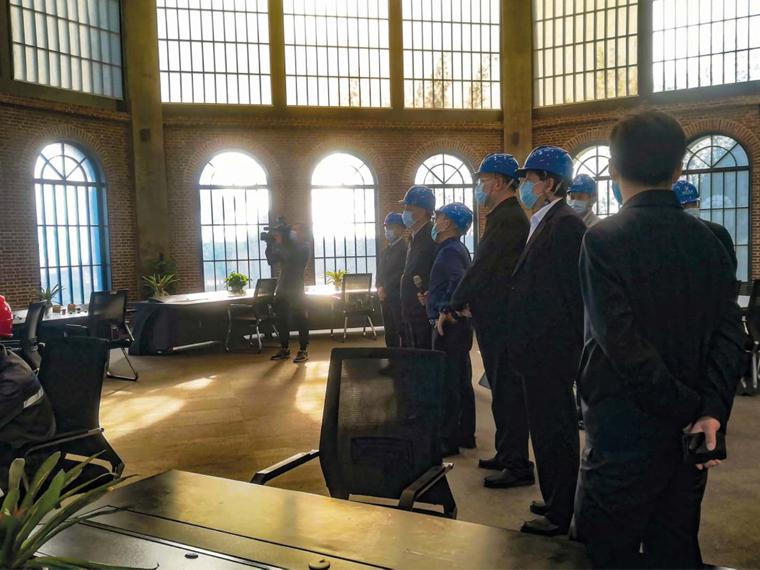 2020年2月,广东省省长马兴瑞一行莅临阳江亚博全站考察、调研